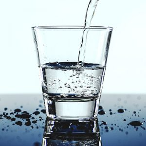 10 Motivi per bere due litri d'acqua AVD Reform